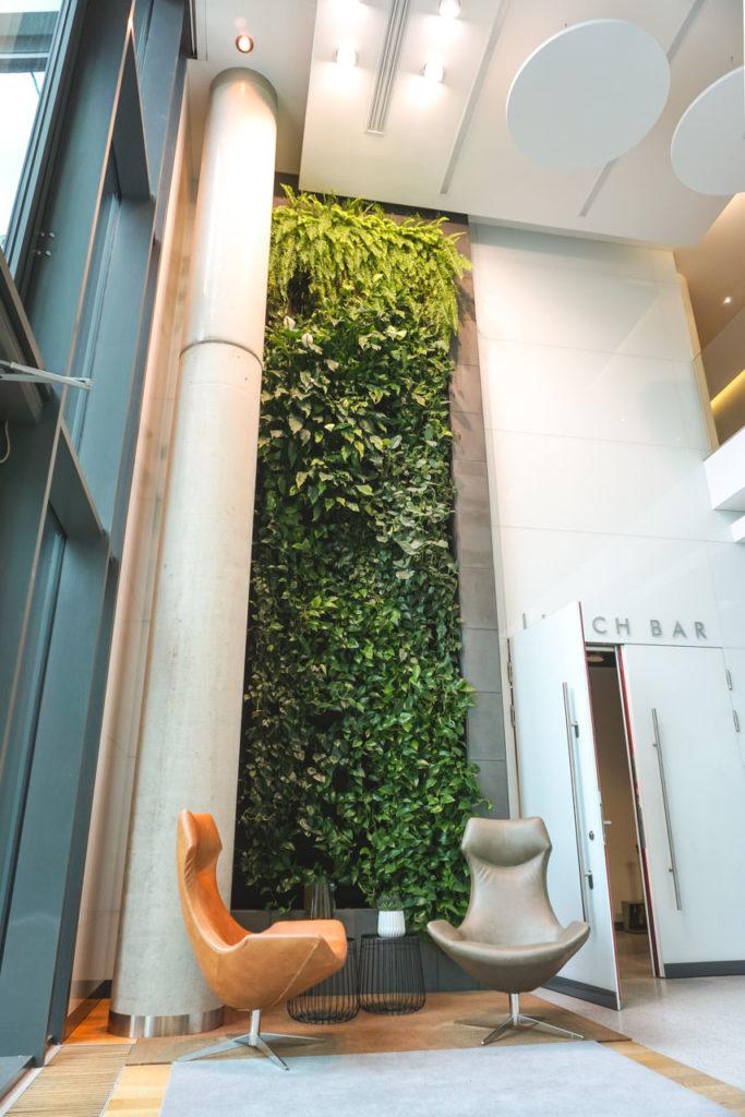 Zielona ściana w Centrum Konferencyjnym Nimbus w Warszawie